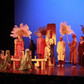 Farao troon in scene Aida