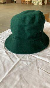 Groen vilten hoedje -