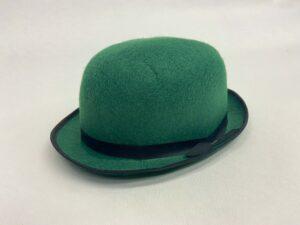 Groen vilten hoedje met zwarte band - Groen vilten hoedje