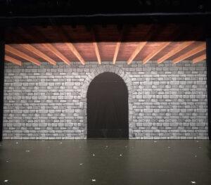 Theaterdoek kasteelmuur met poort en plafond - Theaterdoek kasteelmuur
