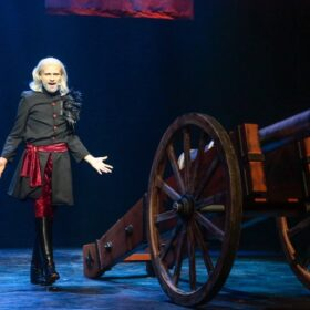 Kanon in scène met Richelieu in 3 Musketiers de Musical