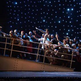 Loopbrug hergebruikt als zinkend schip in Titanic de Musical