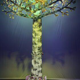 Magische boom met ingebouwde LED-verlichting