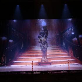 Theaterdoek grote trap Titanic